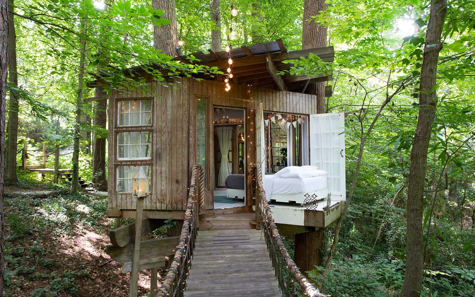 The Best Airbnbs To Rent For Fall Foliage Views Travel Leisure