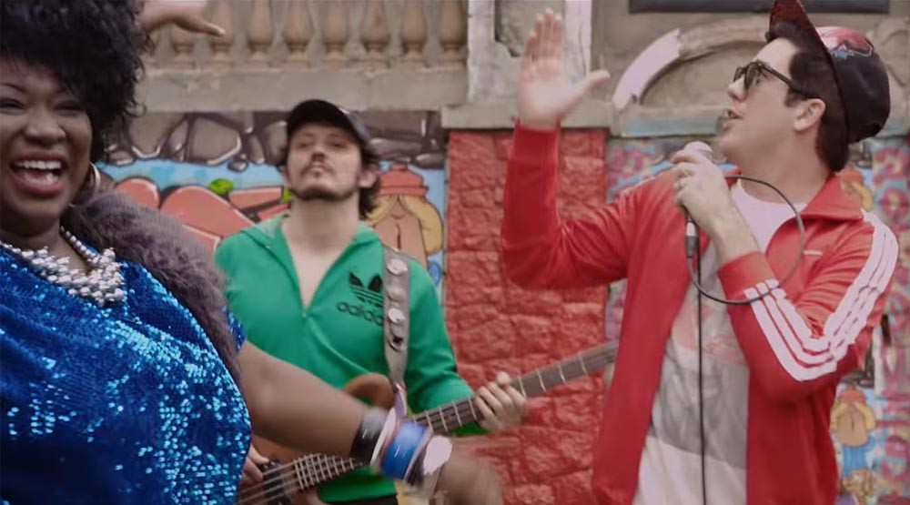 Jota Quest e Anitta fazendo a festa no subúrbio