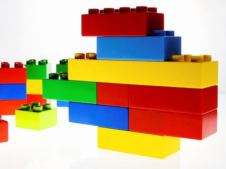 Palmyra Community Center to host Lego class     The Palmyra Sun Beginning Lego engineers can learn to work in teams Wednesday  March 29 at  Palmyra Community Center s Lego class  From 7 to 8 15 p m   kids ages 5 to  9 will