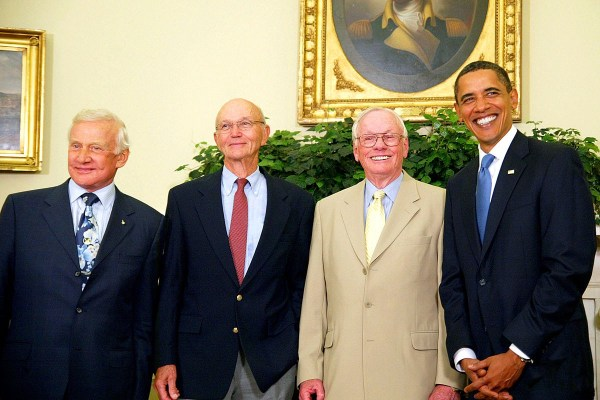 Throwback Thursday: Remembering Neil Armstrong – Starts ...