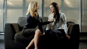 Stella e a detetive Gail McNally