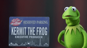 kermit-the-frog-the-muppets-pig's-in-a-blackout-1x07
