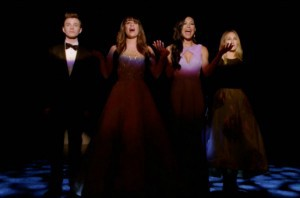 Glee 4x20 Lights Out