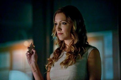 Arrow - 2x03 Broken Dolls