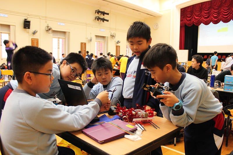 中西區小學機械人比賽及培訓工作坊 – Pi Innovation Portfolio – Medium