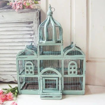 A Bunch Of Real Or Faux Roses Would Look Amazing In Bird Cage It S