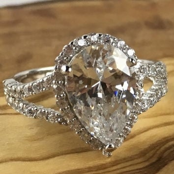 Cool Wedding Rings For Newlyweds Moissanite Engagement