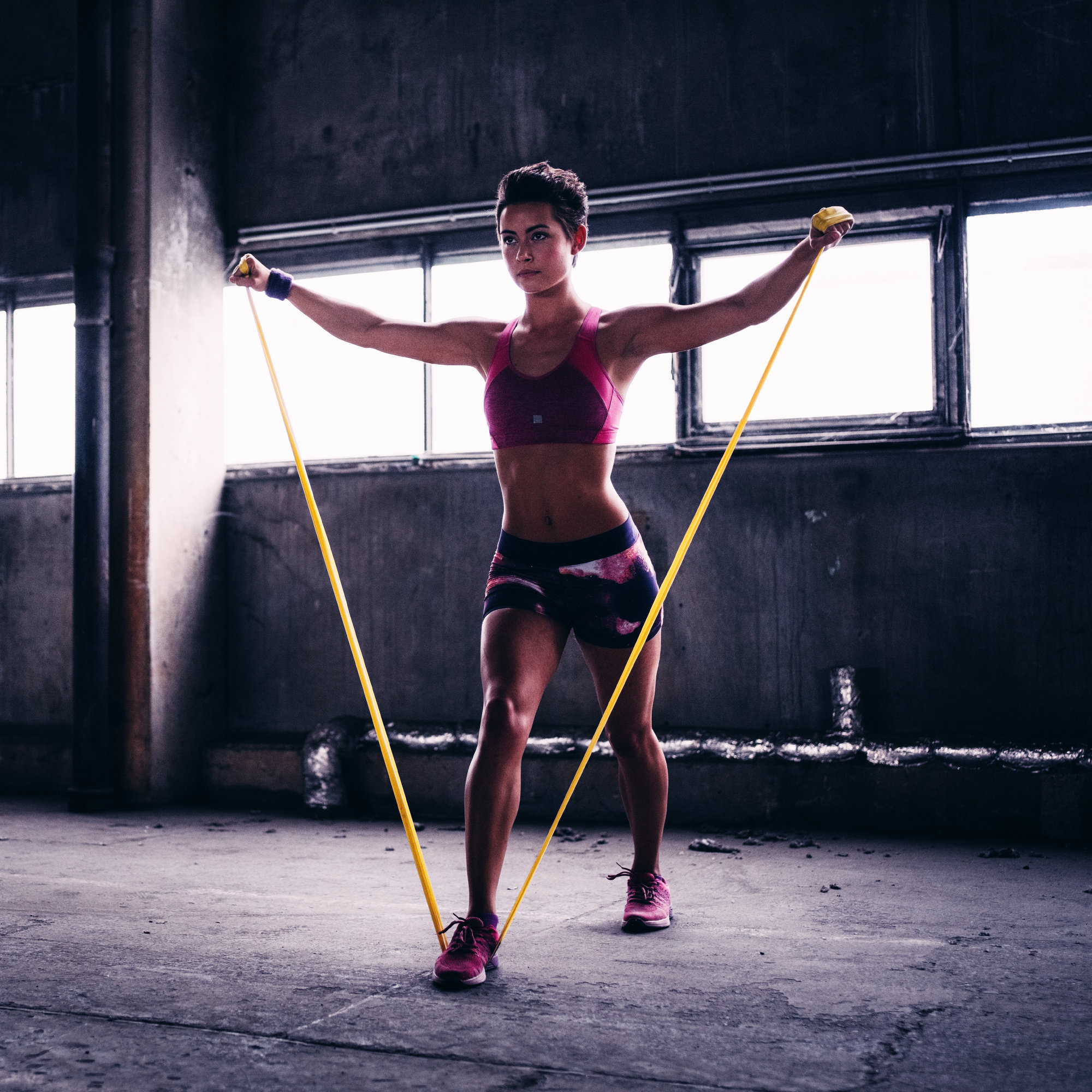 5 Resistance Band Exercises That Burn Fat And Build Muscle