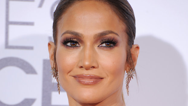 Jennifer Lopez Reveals Her New Spanish Language Album Is