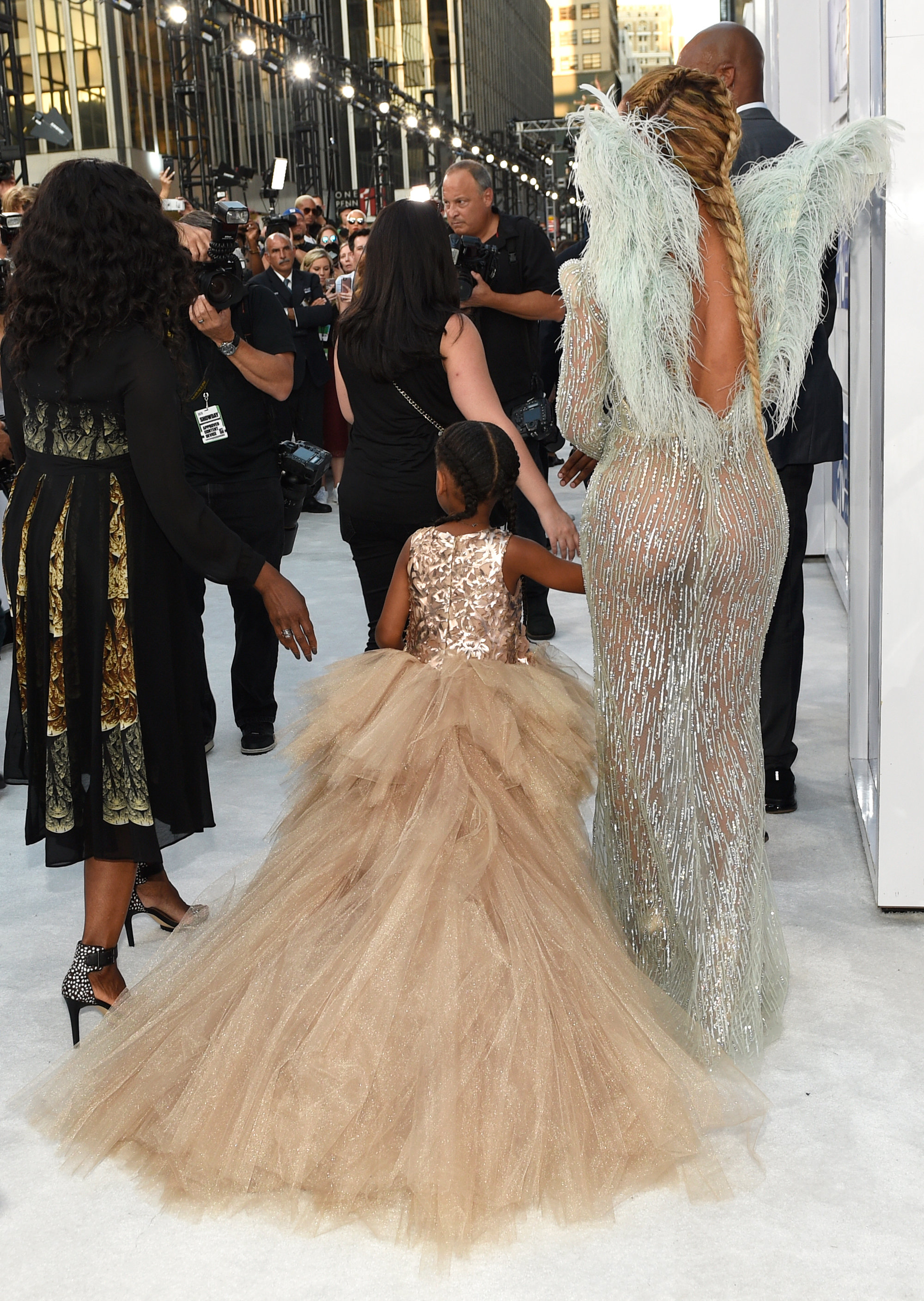 Image result for beyonce and blue ivy at 2016 vmas
