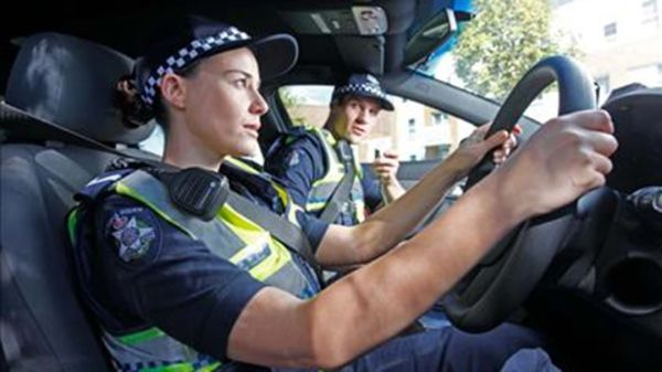 victoria police in racist email scandal newscomau - 800×450