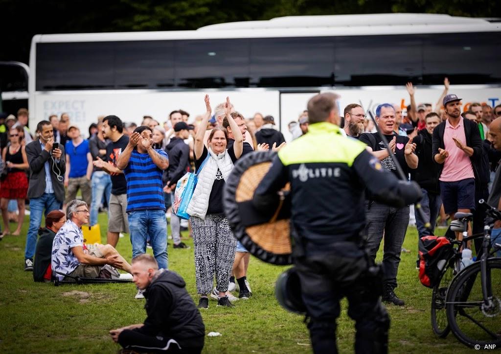 ongeveer 400 mensen opgepakt bij demonstratie malieveld noordhollandsdagblad