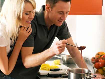 couple-cooking-together-thinkstock