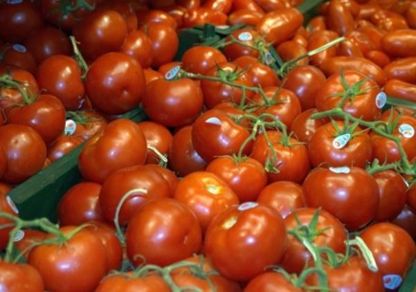 healthy-food-tomatoes