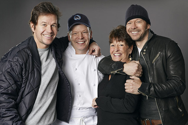 Mark, Paul, Alma and Donnie Wahlberg, Wahlburgers