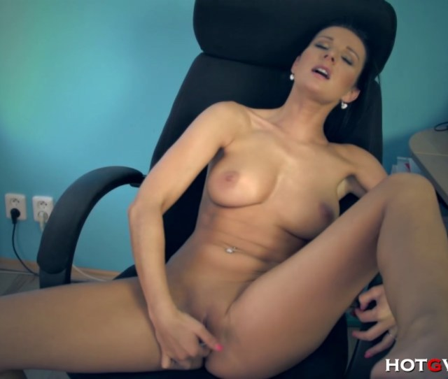 Cutie At The Office Masturbates Her Pink Pussy To An Orgasm Hd Porn Video Pornhd