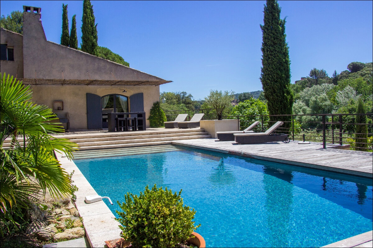 Luberon villages Provence France Rent-Our-Home rentourhomeinprovence Lourmarin Villa Nirvana