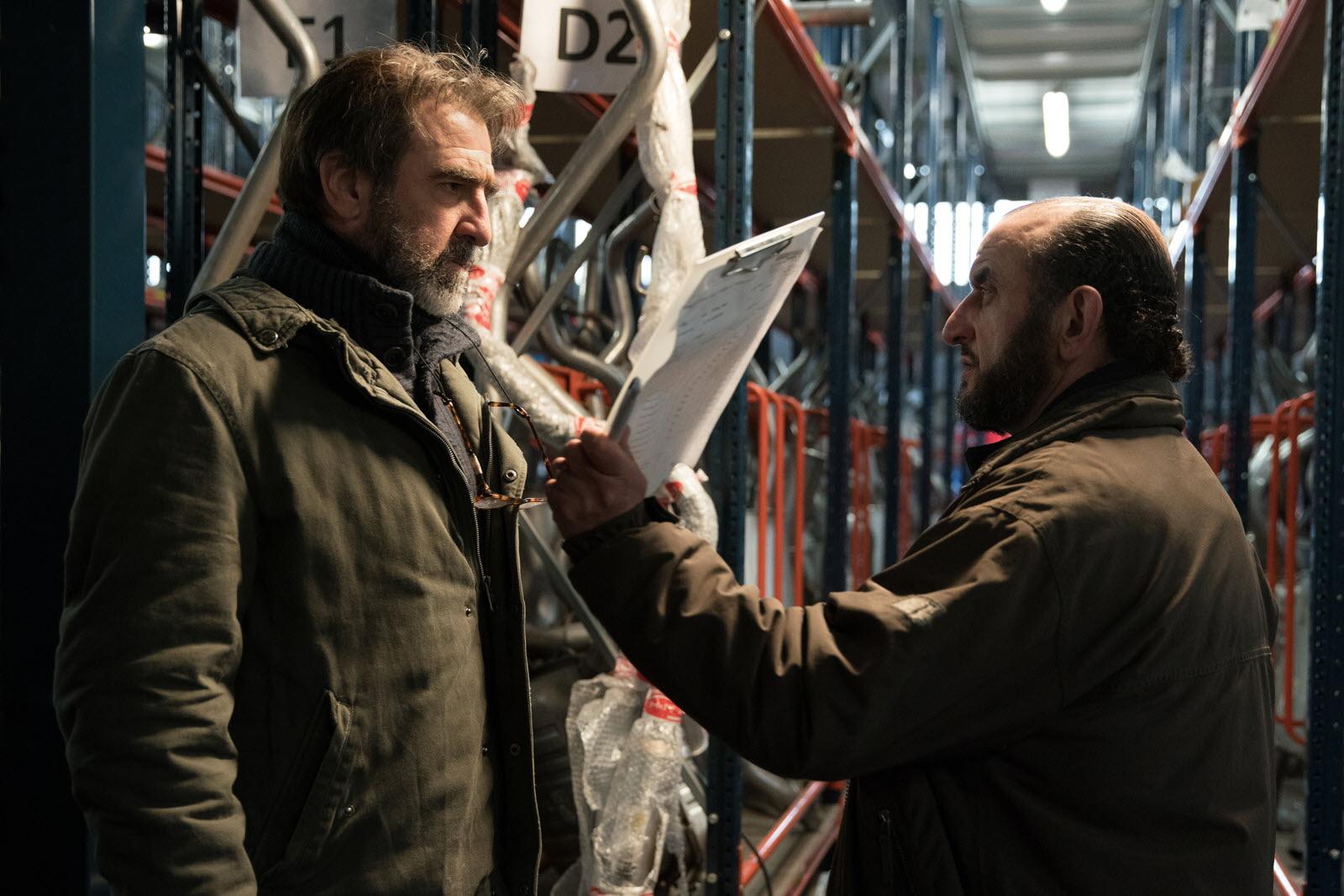 Eric cantona et sa femme en une du elle. Television Eric Cantona Signe Sa Premiere Serie Tv Derapages Sur Arte