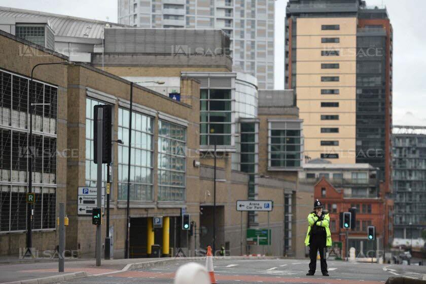 L'homme se serait posté à son arrivée dans la zone d'achat des billets de l'Arena. Photo AFP