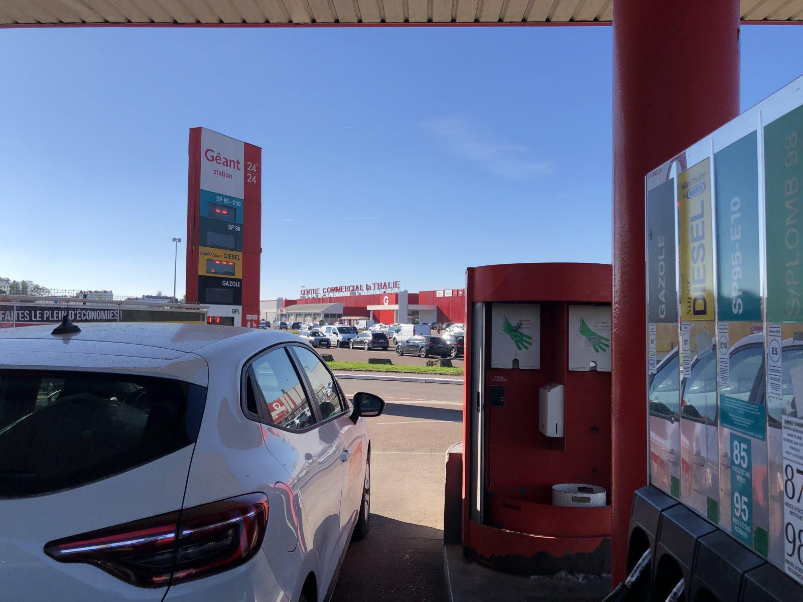 Hausse du prix des carburants. Laqurpxw7oqs1m