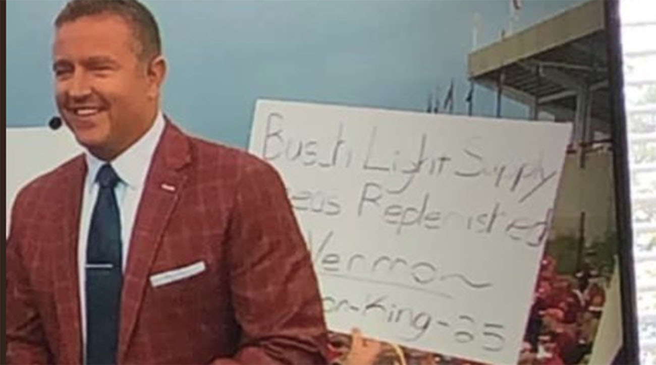 'College GameDay' Sign Holder Requests Beer Money, Donates it to Children's Hospital