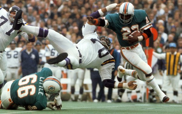 Super Bowl VIII: Dolphins blow out Vikings for second ...
