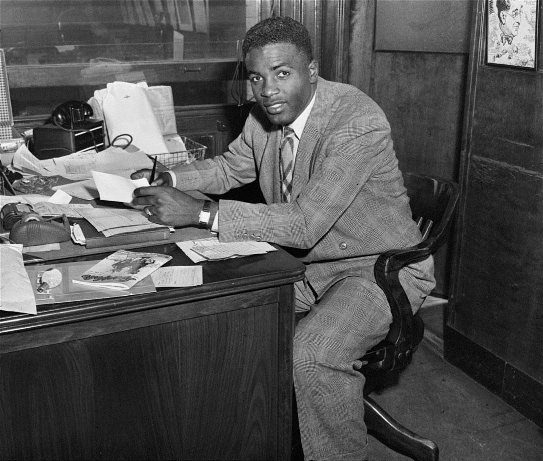 Classic Photos Of Jackie Robinson