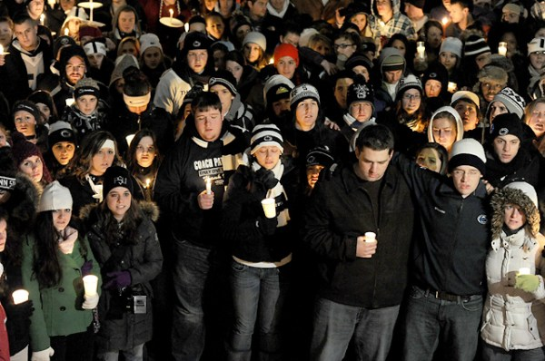 Penn State Reacts To Paterno's Death   SI.com