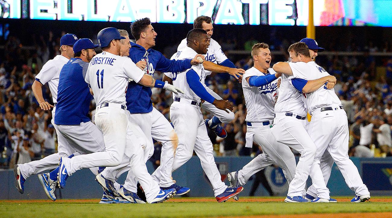 Dodgers' Kyle Farmer hits walk-off double in first MLB at ...