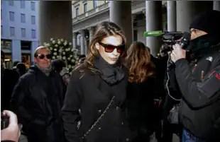 Elisabetta Canalis funerale Moratti