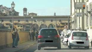 l auto di agnese renzi nella ztl fiorentina