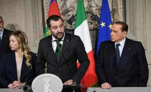 salvini e berlusconi in conferenza stampa