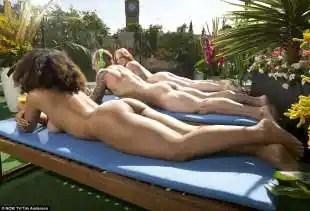 nowtv a londra la terrazza per nudisti 8