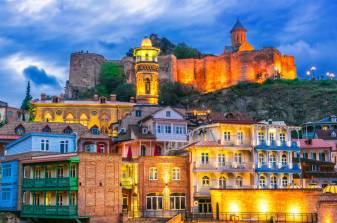 Вечерний Тбилиси и крепость Нарикала пазлы онлайн (Страны, Грузия) | Puzzle  Garage