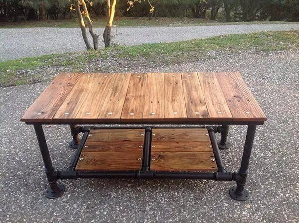 diy pallet coffee table with pipe base