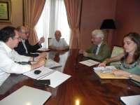 El Justicia inicia con la Parroquia del Carmen las reuniones para elaborar un informe especial sobre la pobreza