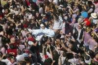 Comienzan las fiestas de La Vaquilla del Ángel de Teruel con la tradicional traca y el concierto de 'B Vocal'