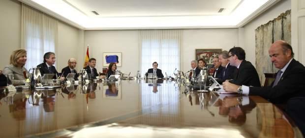 Rajoy encabeza el primer Consejo de Ministros del nuevo Gobierno