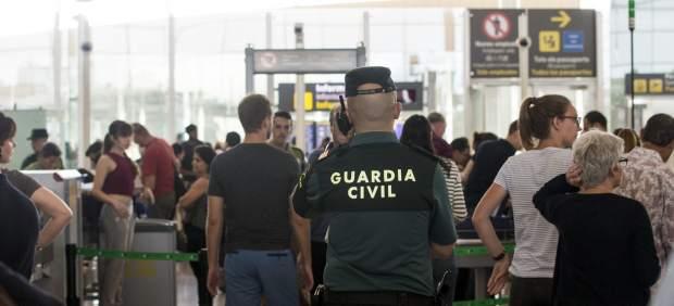 Guardia civil en el Prat