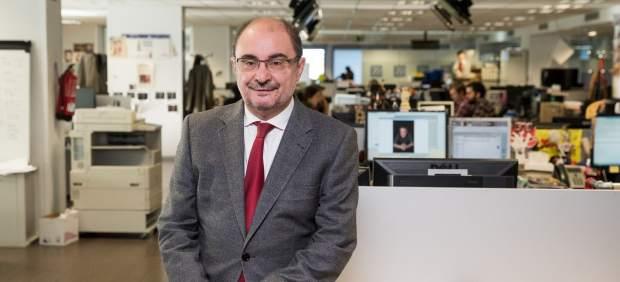 El presidenta de Aragón, Javier Lambán, en la redacción de 20minutos.