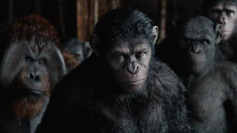 Andy Serkis caracterizado como César