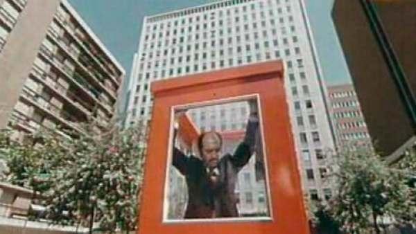 Madrid instalará una cabina roja en homenaje al cineasta Antonio Mercero
