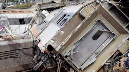 Resultado de imagen para tren descarrilo marruecos