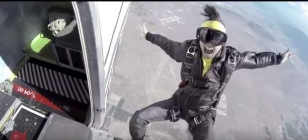 Videoclip del tema 'Hello' de Jon James Murray.