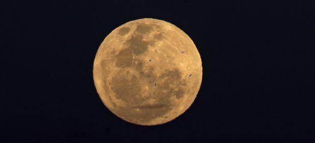 Luna llena sobre Río