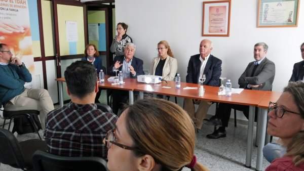 Clavijo con trabajadores del COF en Las Palmas de Gran Canaria
