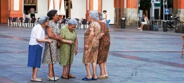 Las Españolas Viven Más Porque Hablan Mucho