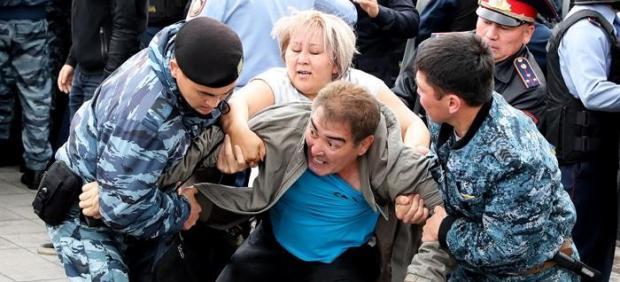 Disturbios durante las elecciones en Kazajistán