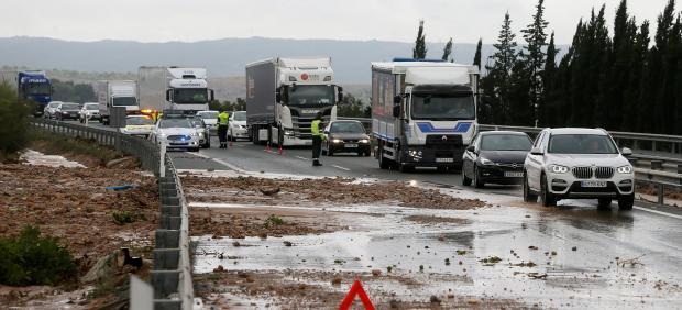 La Dana corta el tráfico en Orihuela