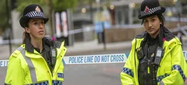 Dos agentes de la Policía de Manchester.